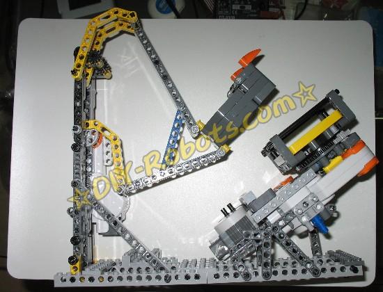 接下来要介绍右侧的电机和斜坡支架