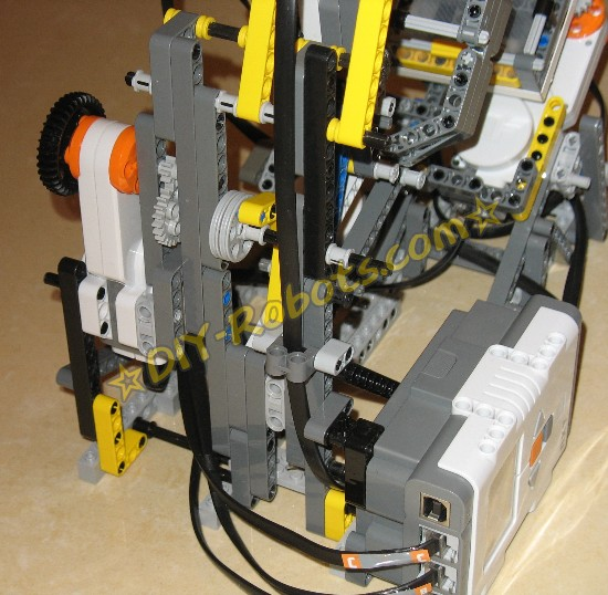添加了减速齿轮组的爪子电机